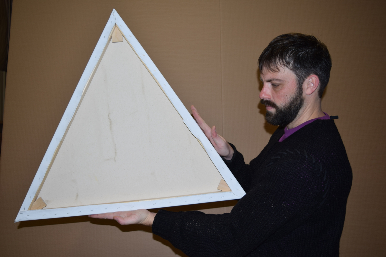 "30"" keyed triangular stretcher with primed canvas"